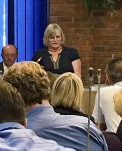 Janet presentingpic
